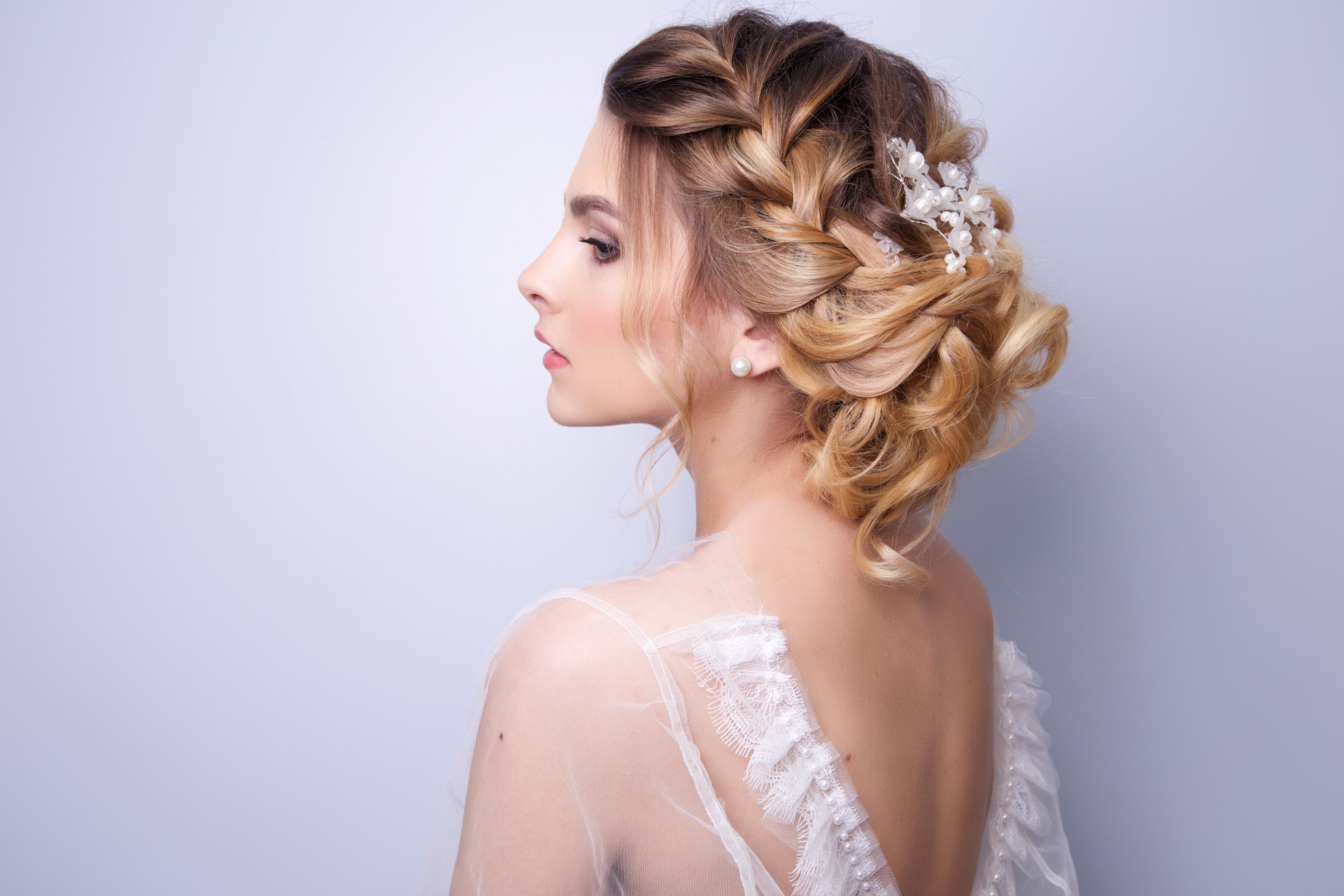 10 Bridal Hairstyle Ideas For Fine Hair
